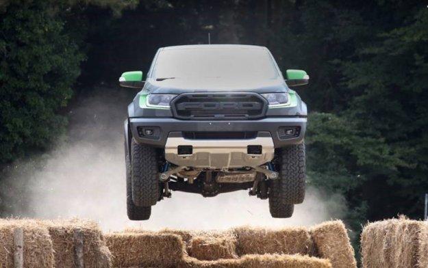 Ford predstavlja �portno vozilo za voznike in navdu�ence nad igrami