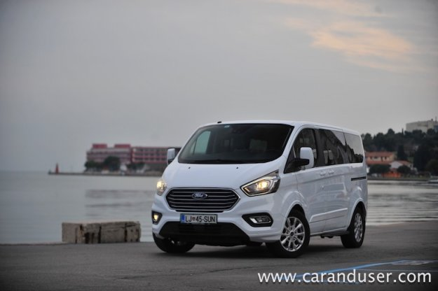 Ford Tourneo Custom Limited 2.0 TDCi L1H1