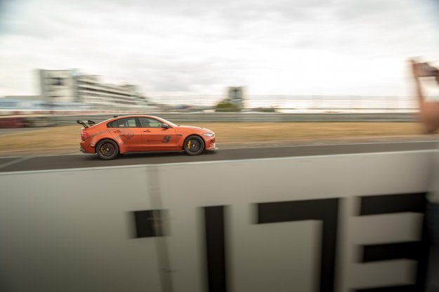 Najhitrejša limuzina je še hitrejša!