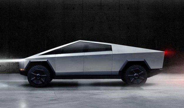 Teslin pick up ali vozilo iz znanstvene fantastike?