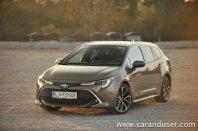 Toyota Corolla Hybrid Executive v razli?icah 2.0 Touring Sports in 1.8 Sedan (2020)