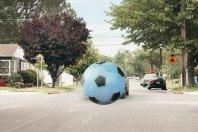 Če na cesto prileti žoga, za njo pričakujte otroka