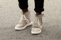 Kanye West razkril težko pričakovane copate Yeezy Boos