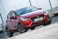 Mazda 2 G115 Revolution Top (2016)