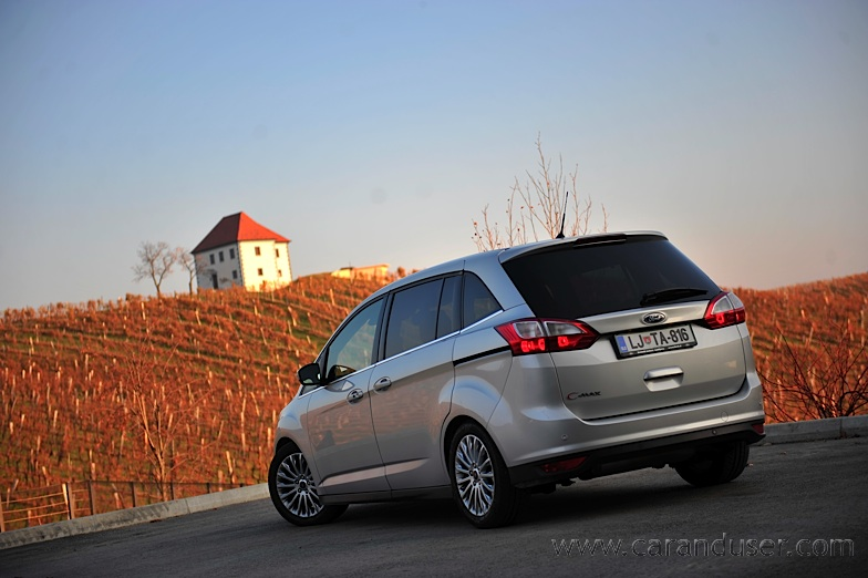 ford_cmax_grand005