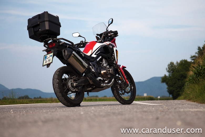 crf1000l africa_twin05