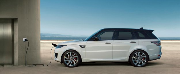 Nadgrajeni hibridni Range Rover Sport