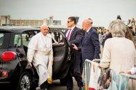 Papeževa 500L na dražbi