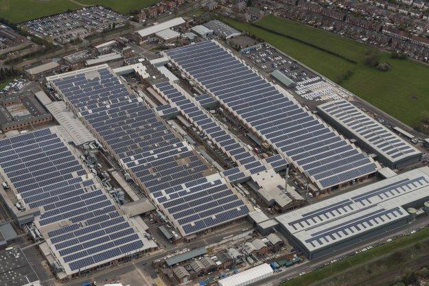 Bentley gradi največjo sončno elektrarno …