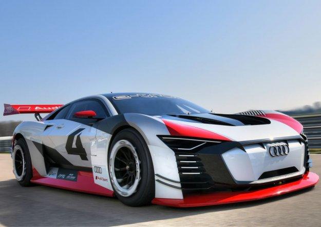 Audi e-tron Vision iz videoigre neposredno na asfalt