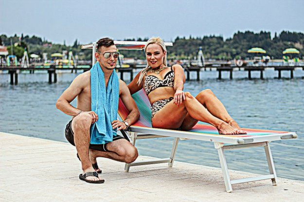 Mark Tivadar – Mini bikini
