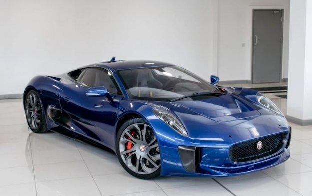 Bi imeli konceptnega Jaguarja C-X75 iz dinastije James Bonda?
