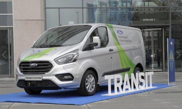 Ford nadaljuje s preizku�anjem PHEV-ov