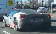 Ali Ferrari snuje hibridnega V6?