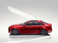 Prenovljeni Jaguar XE – bolj razkošen, sodoben in z višjo vrednostjo