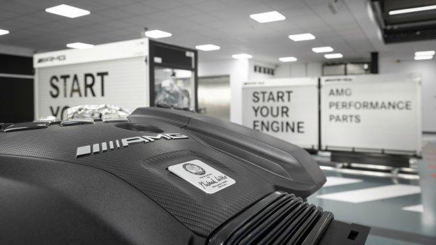 Mercedes-AMG v ogenj pošilja nov agregat