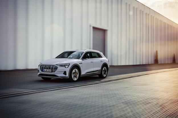 Naslednje leto prihaja šibkejši Audijev e-tron!