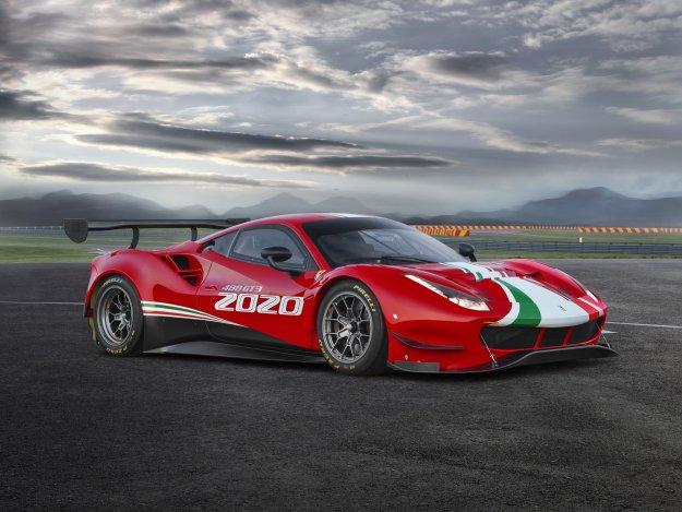 Ferrari 488 GT3 EVO z letnico 2020