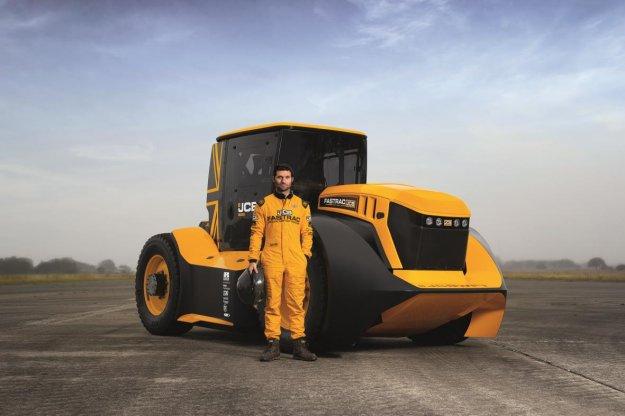 JCB in Williams z najhitrej�im traktorjem