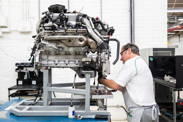 Najdlje sestavljani V8 praznuje 60-letnico