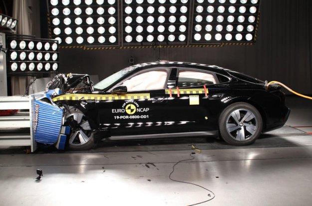 Porsche in Tesla blestela na NCAP testih