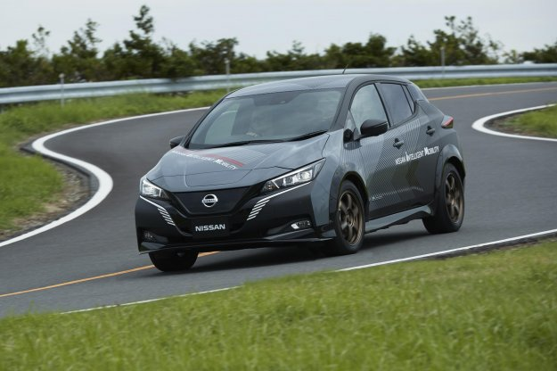 Nissanov visoko zmogljivi štirikolesni električni pogon