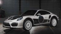 Safari Porsche 911 Turbo S z električno skrivnostjo