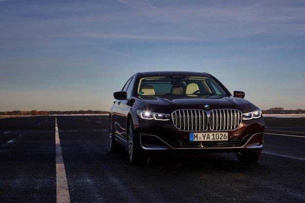 BMW: Prihajajo?a serija 7 z veliko pogoni (in morda brez V12?)
