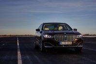 BMW: Prihajajoča serija 7 z veliko pogoni (in morda brez V12?)