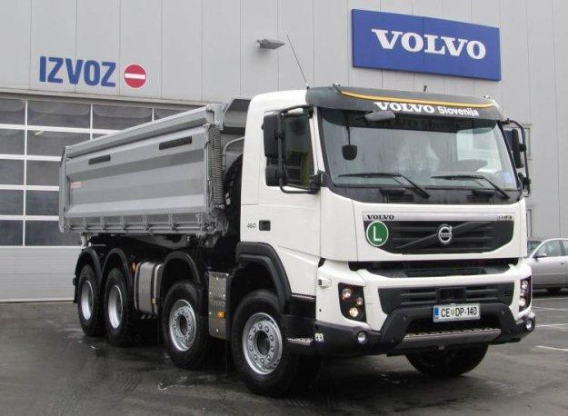 Predan prvi Volvo FMX