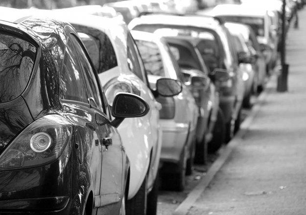 Izpad dohodka nekateri blažijo s parkirnino