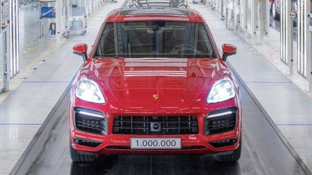 Milijon Porschejev Cayenne v skoraj dveh desetletjih