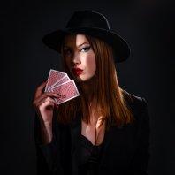Lady Lotus � Ljubezen ni poker