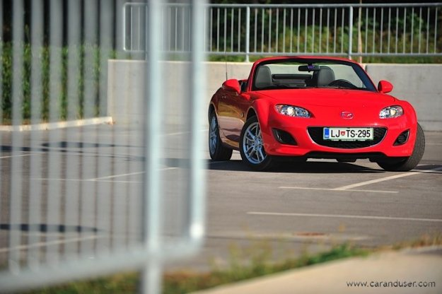 Mazda MX-5 1.8i Roadster Coupe Challenge