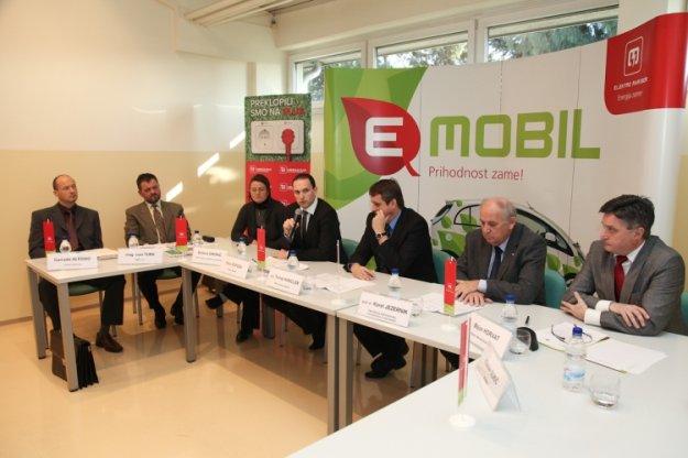 Prva hitro-polnilna postaja za električna vozila v Sloveniji