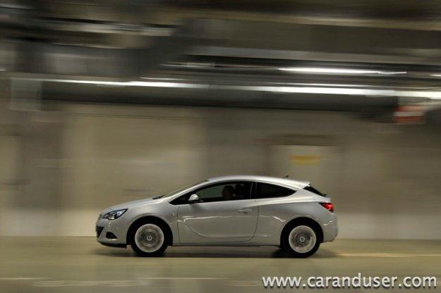 Opel Astra GTC - moško mnenje