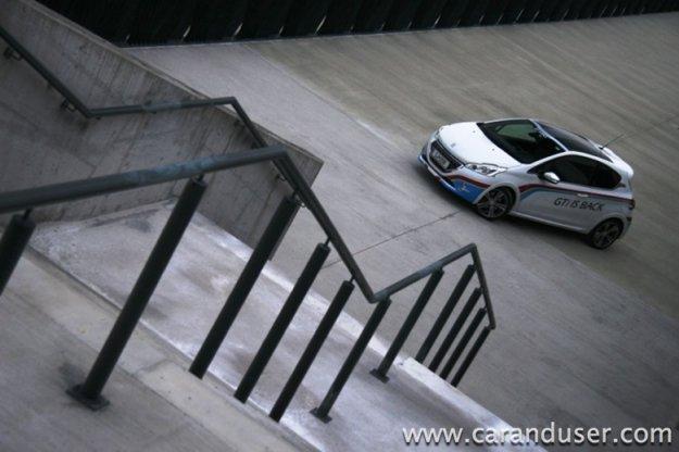 Peugeot 208 GTI 1.6 VTi THP 200