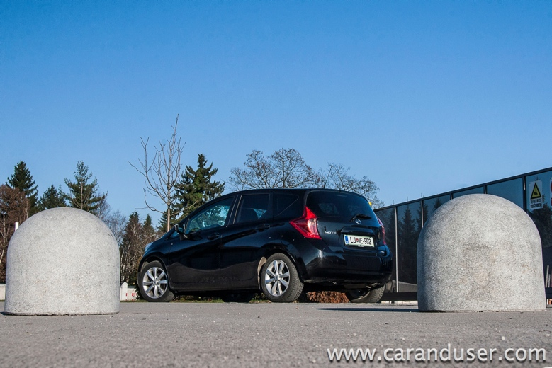 nissan note2014 04