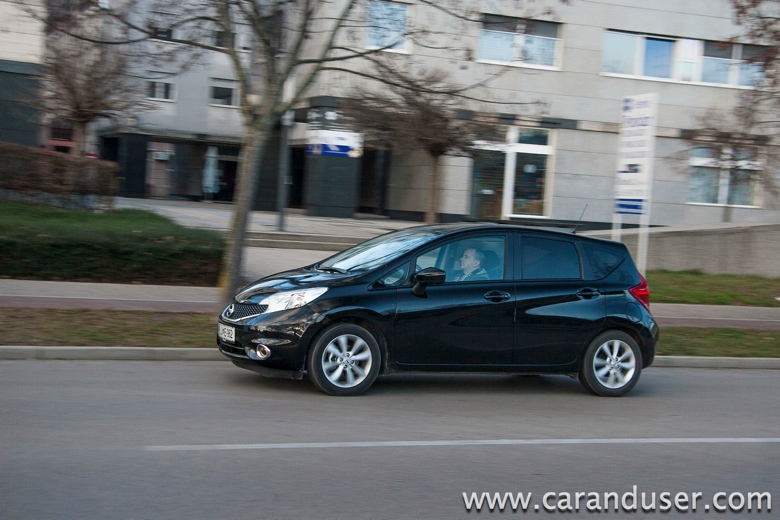 nissan note2014 08